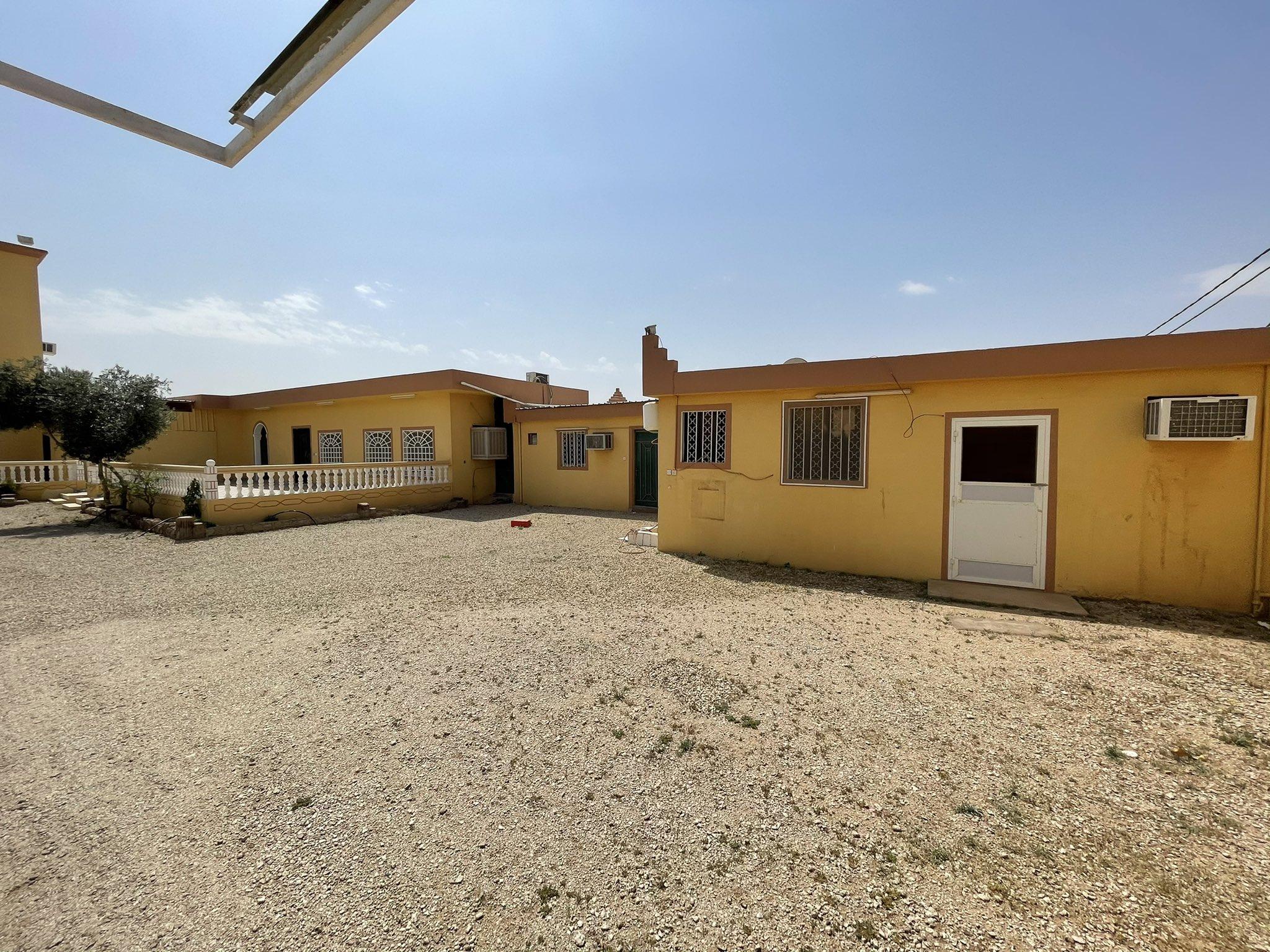 للبيع استراحة مملوكة بصك شرعي الموقع: شرق #البكيرية بالقرب من دوار القربة
